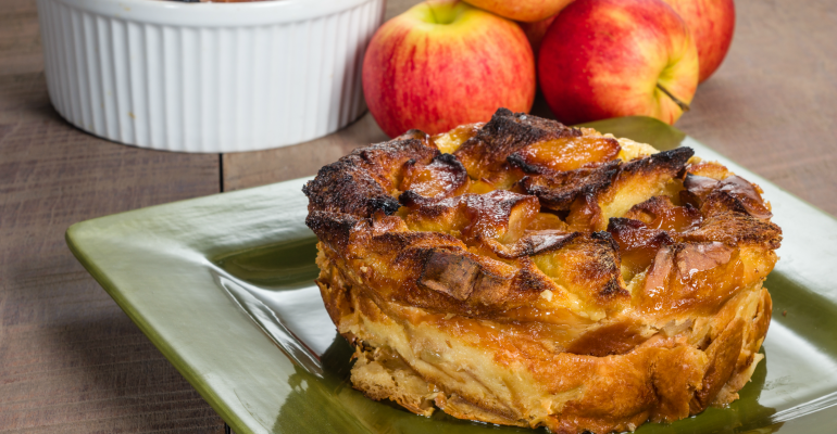 6 easy crockpot meals apple pie bread pudding